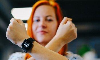 Birojā, gultā un ezerā – pirmie iespaidi par 'Fitbit' viedpulksteni