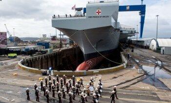 Video: Britu jaunais milzis 'HMS Prince of Wales' miglā pamet doku