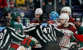 Sezonas sensācija: Rīgas 'Dinamo' viesos pieveic KHL spēcīgāko komandu