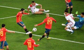 Spānija un Portugāle smagās spēlēs cīnās neizšķirti un iekļūst astotdaļfinālā
