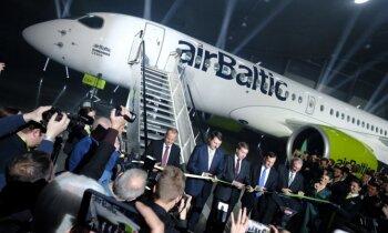 Top aviācijas vēsture: 'airBaltic' atklāj pasaulē pirmo 'Bombardier CS300'