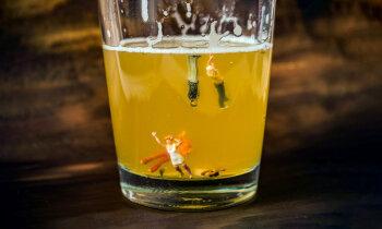 Dzer, jo slikta dzīve un stress. Bērni zaļā pūķa varā