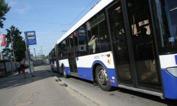 Rīgas sabiedriskajā transportā ar 15. jūniju atjaunos visus braukšanas maksas atvieglojumus