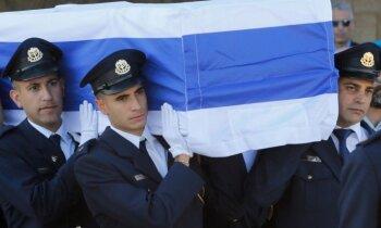 Foto: Pasaules līderi Jeruzalemē pēdējā gaitā pavada Peresu