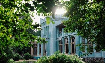 Stiklotas verandiņas un greznas sanatorijas: Jūrmalas arhitektūras pērles un vasarnīcu stāstiņi