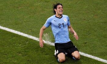 Urugvajas futbolisti astotdaļfinālā pieveic Eiropas čempioni Portugāli ar Ronaldu priekšgalā