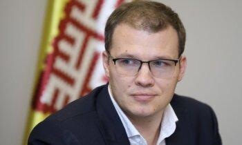 Priekšvēlēšanu aģitācija tikai latviešu valodā – NA vēl neizdodas pārliecināt savus partnerus