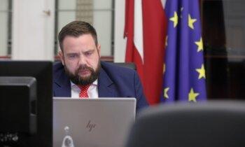 NA piedāvās mainīt koalīcijas līgumu, lai saglabātu ekonomikas ministra amatu Vitenbergam (plkst. 17.45)