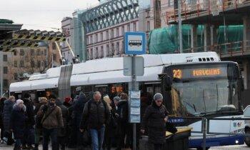 No 'Rīgas satiksmes' transporta piecos gados pagaisuši 10 miljoni pasažieru