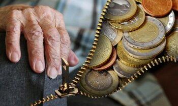 Vecuma pensijas minimālais apmērs neatbilst Satversmei, nospriež ST (plkst. 13.43)