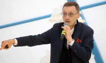 Социолог Арнис Кактиньш считает правильным дать денег на выживание всем