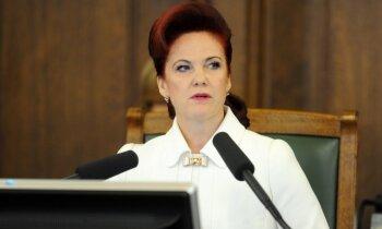 Pirmajā Saeimas sēdē izgāžas Junkura mēģinājums atteikties no mandāta