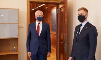 Твиттер-скандал с Эглитисом: Кариньш не стал требовать отставки министра