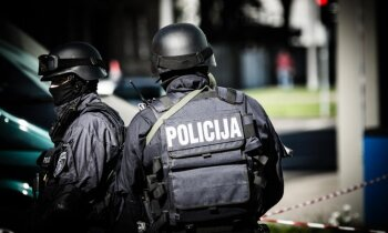 Ziņo par viltus spridzekli kādā Rīgas skolā; policija notver iespējamo vainīgo