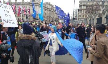 Foto: 'Delfi' Londonā – pēdējās stundas ES briti pavada līksmojot un sērojot