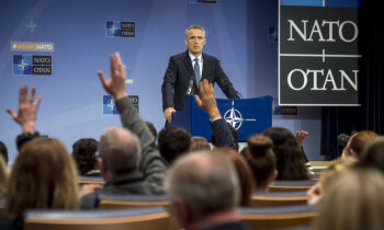 Столтенберг: НАТО работает над укреплением военного присутствия в странах Балтии