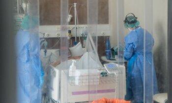 Stacionāros gaidāma Covid-19 pacientu skaita dubultošanās, saka Pavļuts