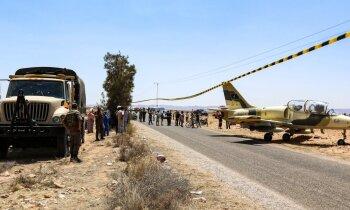 Ģenerāļa Haftara kara lidmašīna 'L-39' nosēžas uz ceļa Tunisijā