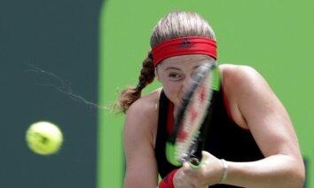 Ostapenko Štutgartes turnīra vienspēlēs būs jāspēlē pret Dijasu