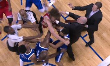 Video: 'Milži' izvicina dūres NBA spēlē