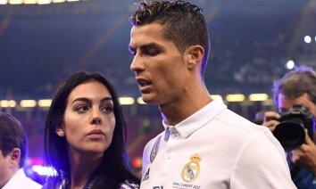 СМИ: Роналду подтвердил беременность своей подруги