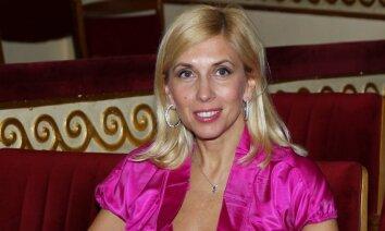 Несите пенсию! 55-летняя Алена Свиридова показала тело в бикини