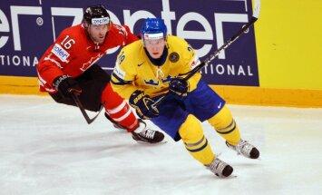 Zviedrija 'bullīšos' pieveic Kanādu un iekļūst PČ pusfinālā