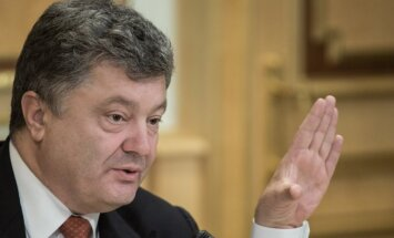 Baidens un Porošenko aicina rast ātru risinājumu konfliktā Ukrainas austrumos