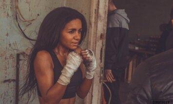 Aizkulišu foto: Kā Aminata iejutās bokseres tēlā