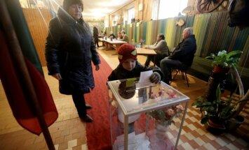 Daļēji rezultāti: Lietuvas Seima vēlēšanu otrajā kārtā uzvarējusi Zemnieku un zaļo savienība