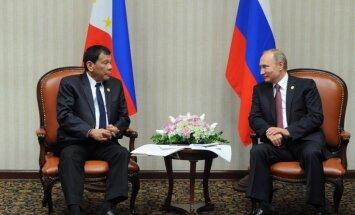 Filipīnu prezidents Duterte ticies ar savu 'varoni' Putinu