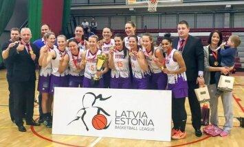 'TTT Rīga' basketbolistes droši triumfē Latvijas un Igaunijas apvienotajā čempionātā