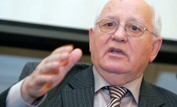 Gorbačovs izrakstīts no slimnīcas un jūtas apmierinoši