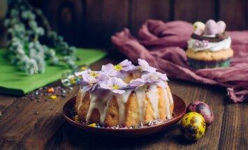 Bagātīgs svētku galds – idejas sātīgiem salātiem, tradicionāliem gardumiem un kūkām