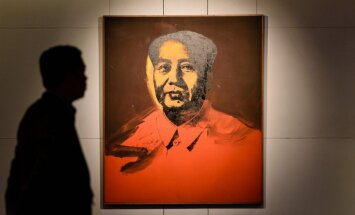 Vorhola Mao portrets izsolē pārdots par 12,7 miljoniem dolāru