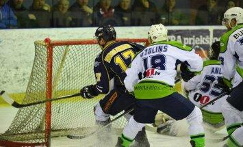 Latvijas hokeja čempionāta finālspēlē novērotas netipiskas koeficientu izmaiņas