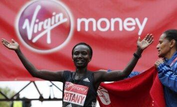 Kenijas skrējēja Keitani uzvar Londonas maratonā un labo Redklifas rekordu
