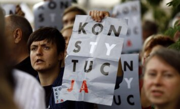 EK sāk tiesisko procedūru pret Poliju