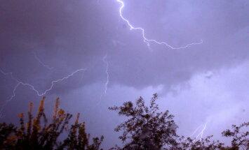 Ceturtdien Latvijā gaidāms spēcīgs negaiss, brīdina sinoptiķi