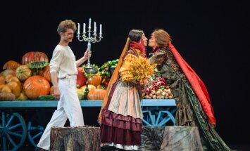 Foto: Regnāra Vaivara 'Ivanovs!' Dailes teātrī