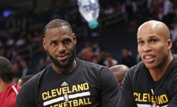 Cleveland Cavaliers forward LeBron James and Richard Jefferson
