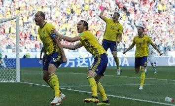 VAR sistēma palīdz Zviedrijas futbolistiem pieveikt Koreju