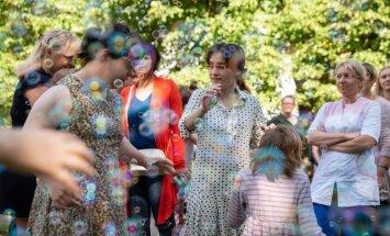 Foto: Kā no vasaras atvadījās bērnu nama 'Teika' audzēkņi un viņu draugi
