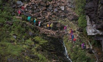 Dienas ceļojumu foto: Bīstams pārgājiens pa šauru kalnu taku Venecuēlā