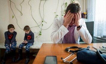 Foto: Ukrainas trūcīgās veselības sistēmas dēļ ārsti cīnās ar kritisku resursu trūkumu