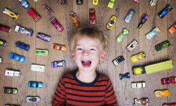 Pieci iemesli nepirkt bērnam jaunas rotaļlietas
