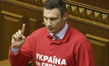 Кличко ответил мэру Москвы насчет пены и побратимов