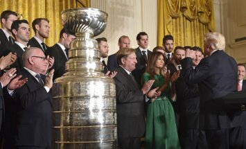 """НХЛ: """"Лас-Вегас"""" переписал историю, Кросби и Малкин побывали в гостях у Трампа"""
