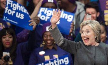 ФОТО: Хиллари Клинтон опубликовала снимок с новорожденным внуком