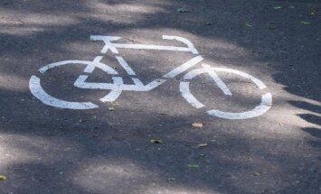 Ceturtdien avārijās cietuši motociklisti, velosipēdisti un automašīnu pasažieri